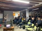 José Ramos fa una demo en directe d'una aplicació dotNET durant meetUp Tech&Drinks