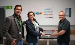 L'Institut Molí de la Vila de Capellades rep una donació de material informàtic de part d'Intesis Software