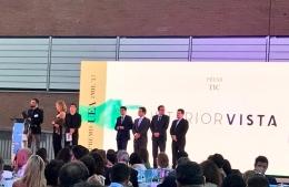 Premi TICAnoia 2017 a InteriorVista per les aplicacions Metod i Pax per a IKEA - Recullen el premi Dani Ruiz i Karen Culillas de la mà de Josep Rull, Conseller de Territori i Sostenibilitat de la Generalitat de Catalunya