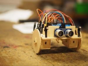 Programació d'un robot amb Arduino