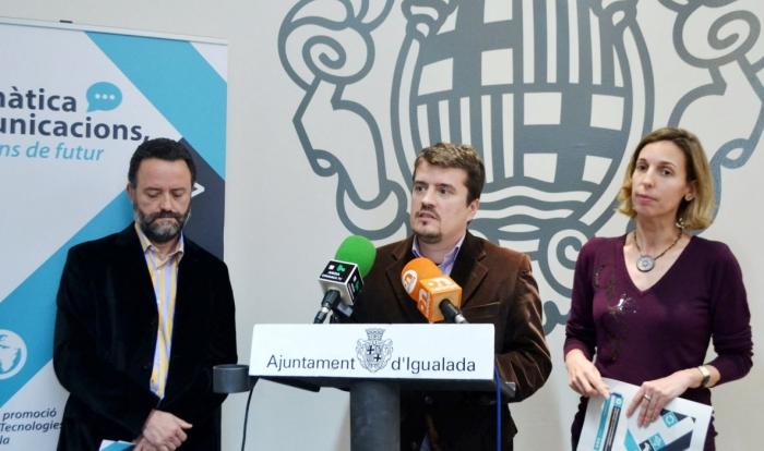 MªÀngels Chacón, 2ª Tnt Alcalde de Dinamització Econòmica de l'Aj. d'Igualada, Jaume Catarineu, president i Isidre Guixà vocal formació de TICAnoia